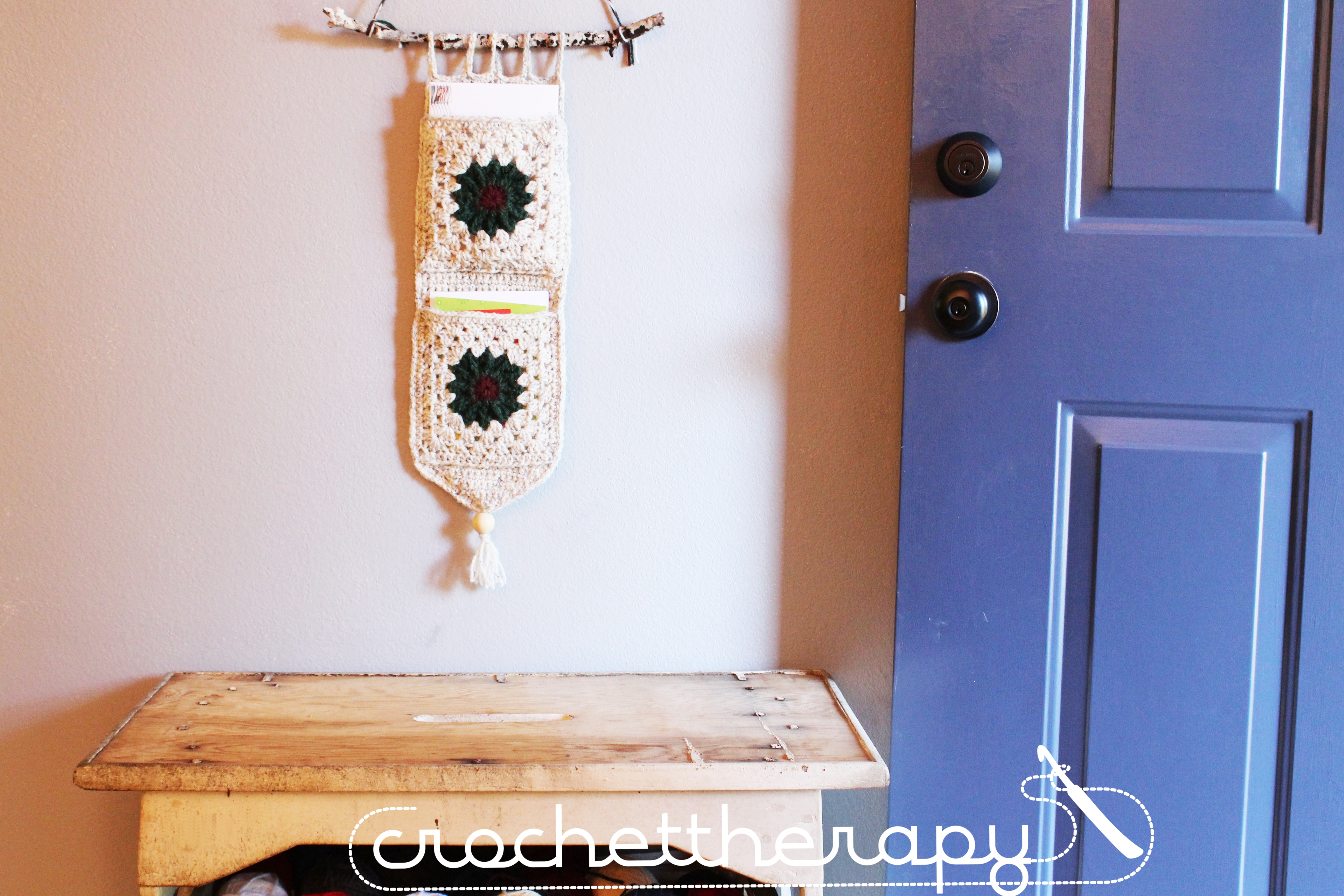 Free crochet wall organizer pattern crochet christmas for How to make christmas card holders wall
