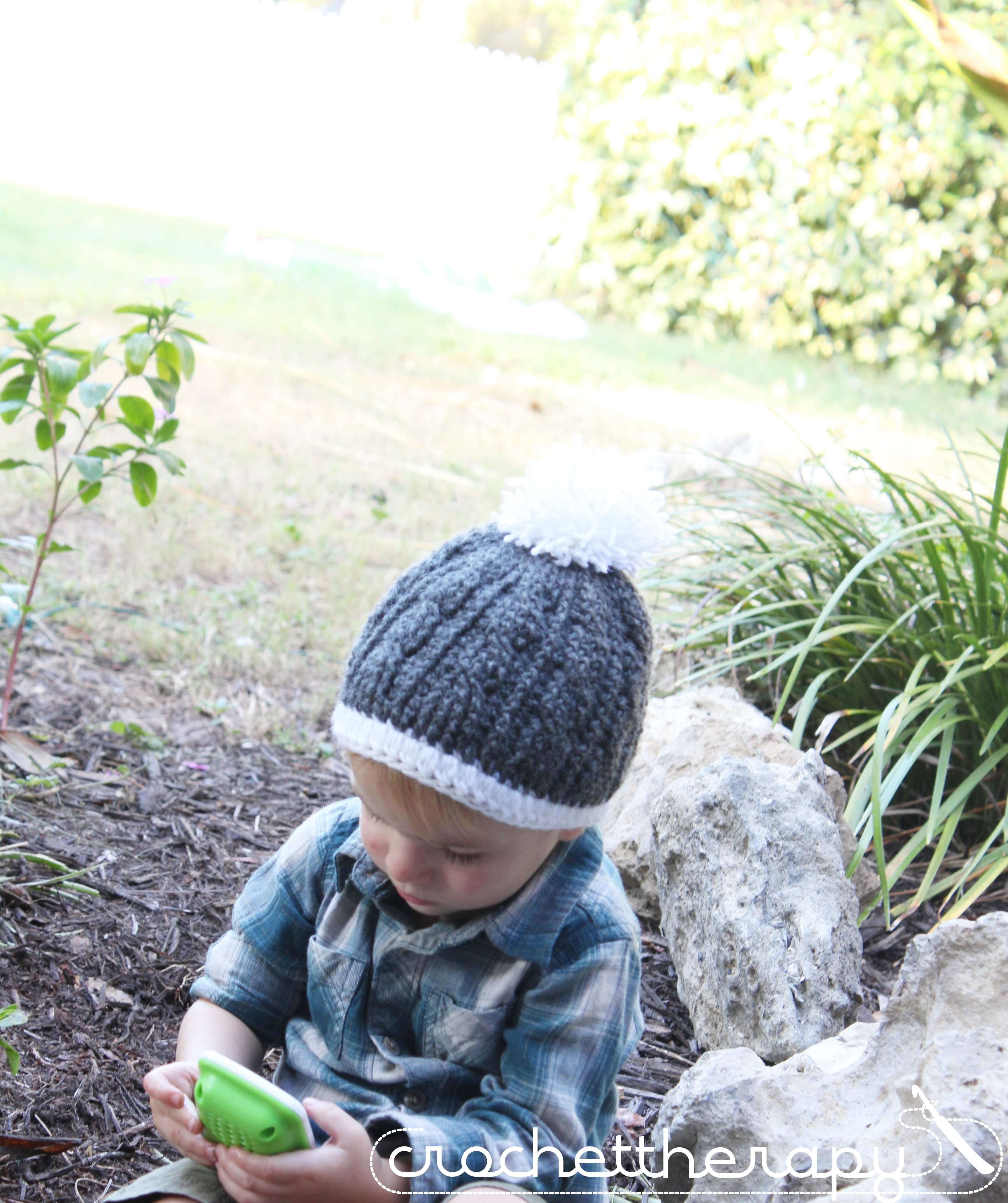 Cable Crochet hat pattern: free crochet cable hat pattern on the blog!